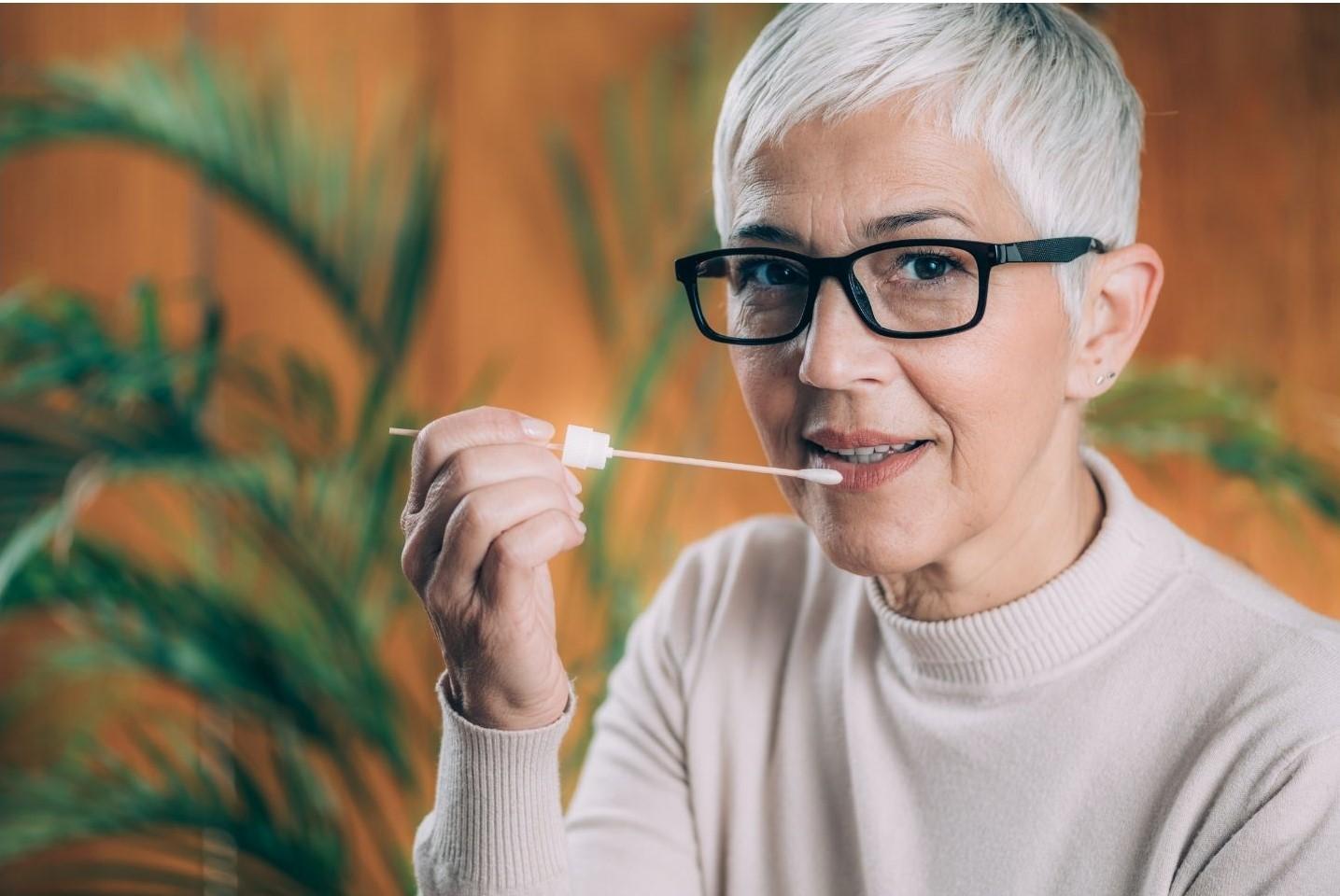 Abandon du projet-pilote des tests salivaires dans les écoles